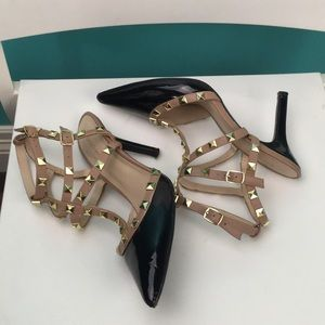 BCBG stunning!!patent leather stud pointy  heels